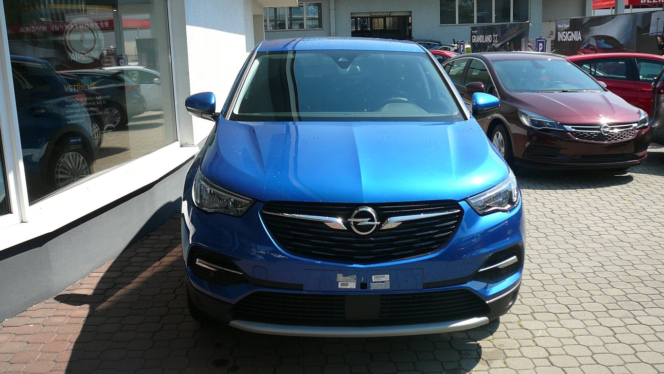 "Opel Grandland X ""AKCE""Innovation 1.2 Turbo AT6"