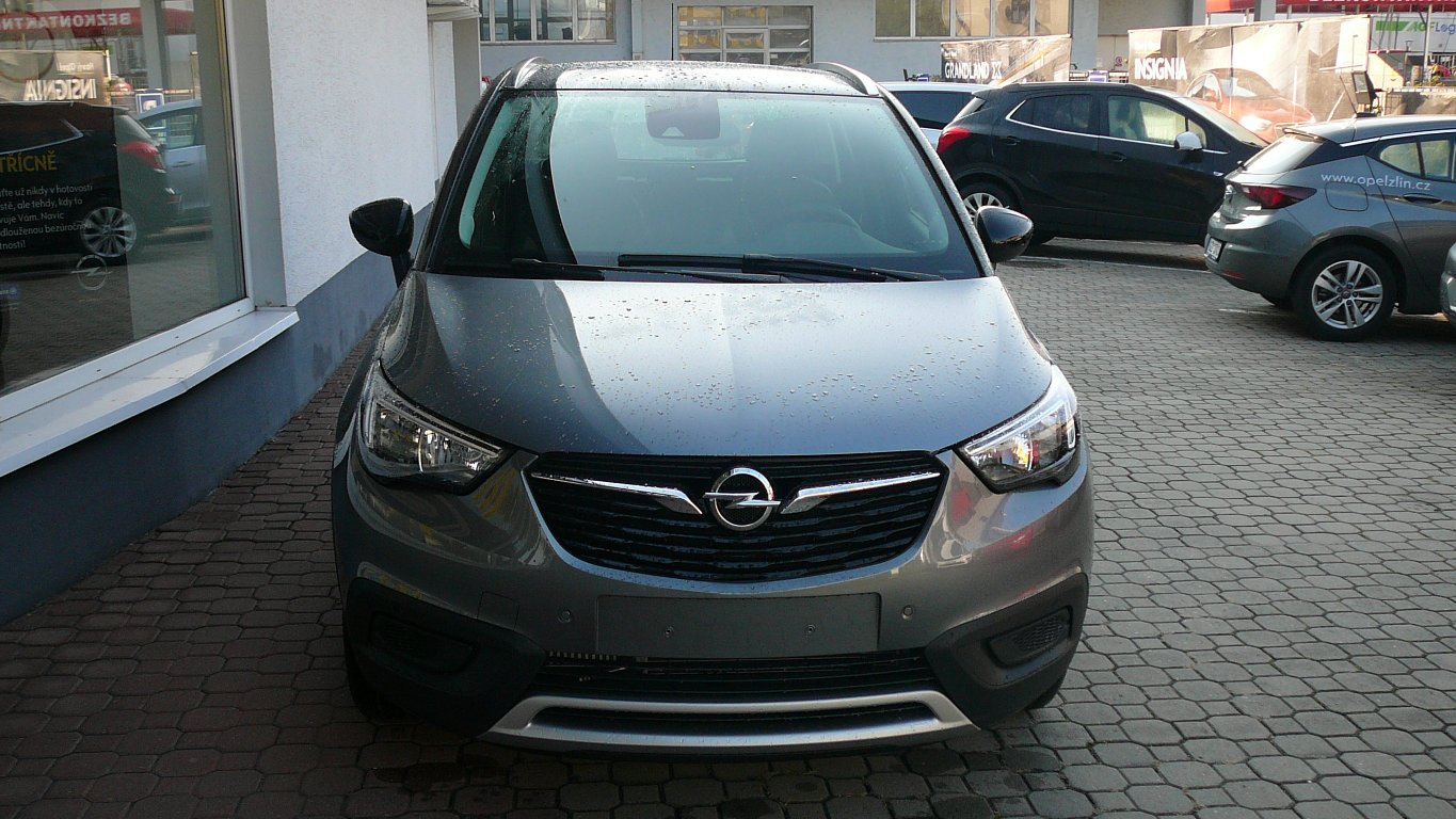 Opel Crossland X Innovation 1.2 Turbo AT
